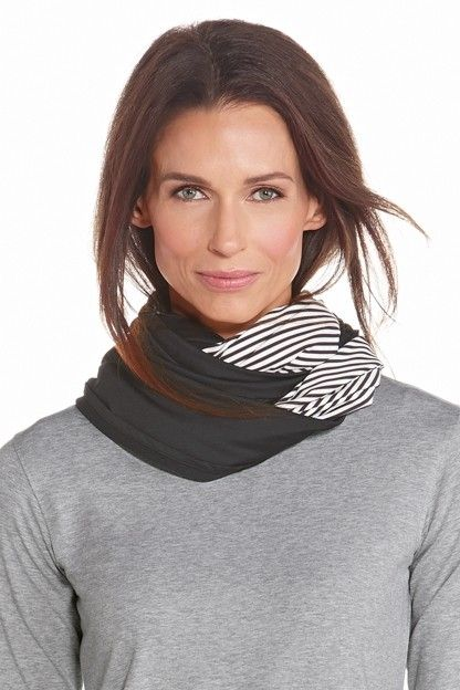 Coolibar---UV-resistant-round-shawl---Black/White